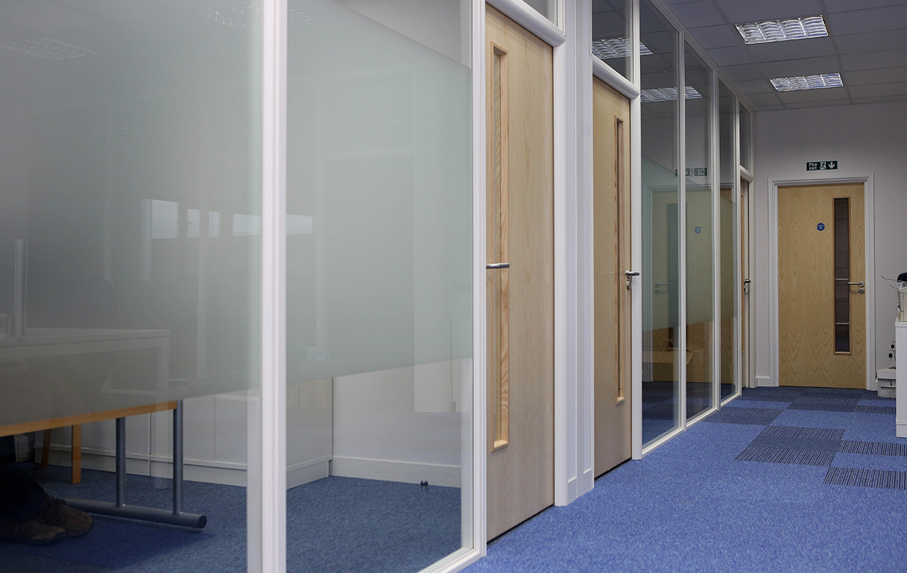 Glazed Partitions with Manifestation